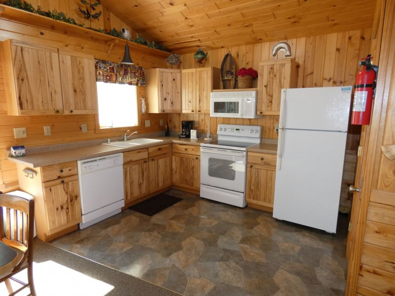 Cabin12_Kitchen
