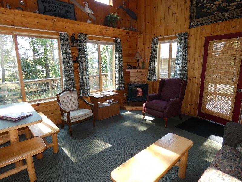 Cabin13_Livingroom