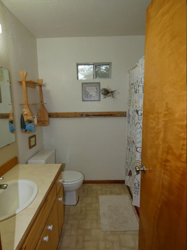 Cabin8_Bathroom