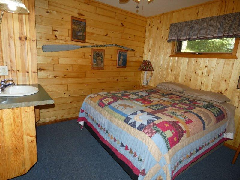 Cabin8_Bedroom 2