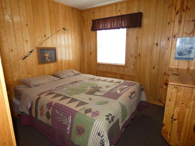 Cabin9_Bedroom 2